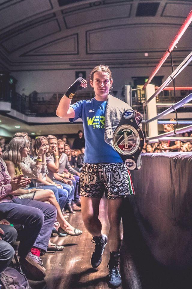 Il Campione Italiano Daniele Rota difende la sua cintura.