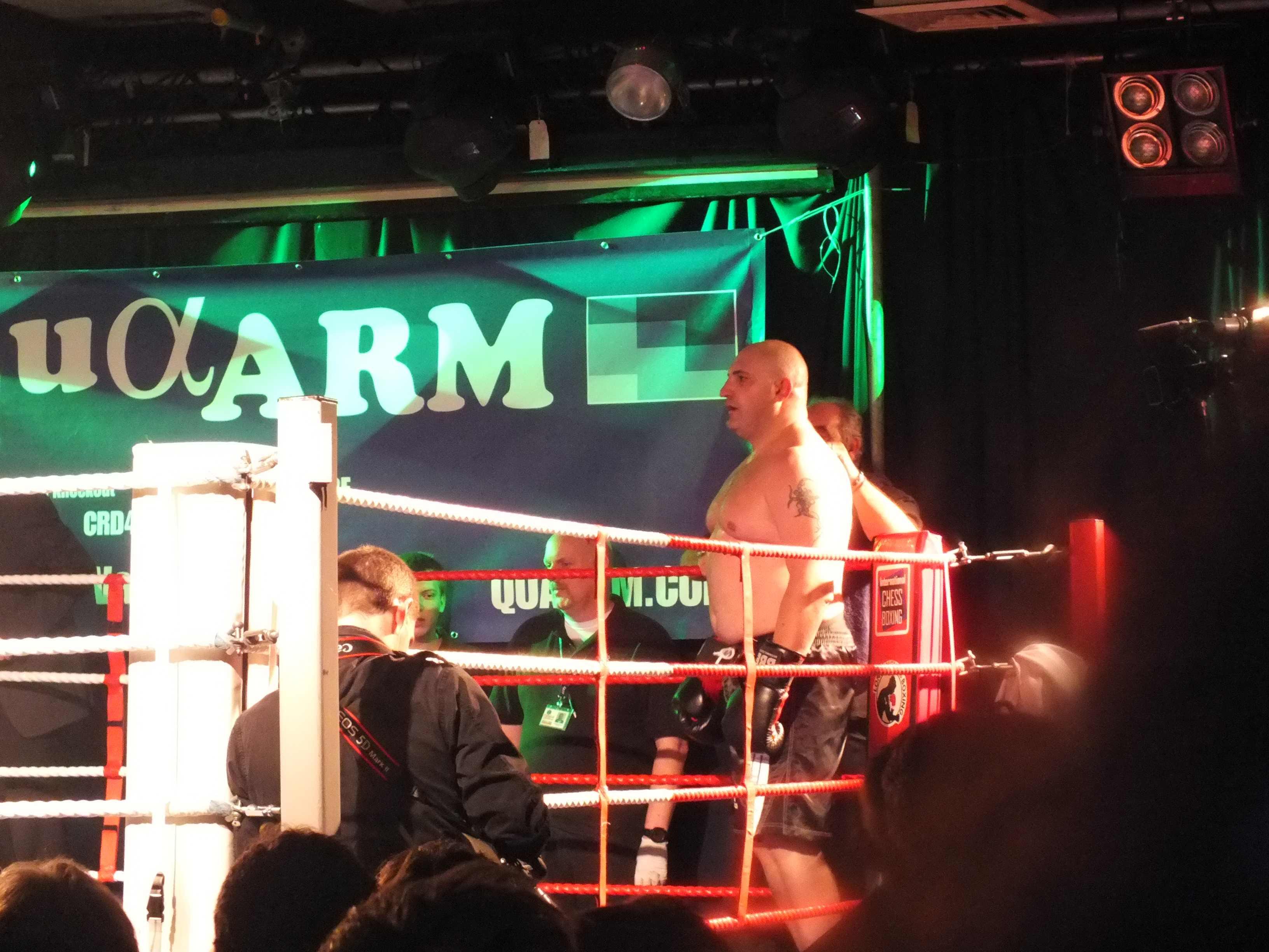 Gianluca Sirci combatte a Mosca in novembre per il titolo mondiale.