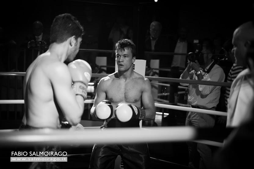 Filippo Gubbini sul ring a Berlino per un incontro esclusivo.
