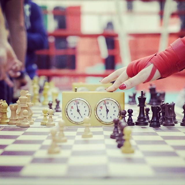 Lo scacchipugilato insegnato a Milano. Curiosità e divertimento.
