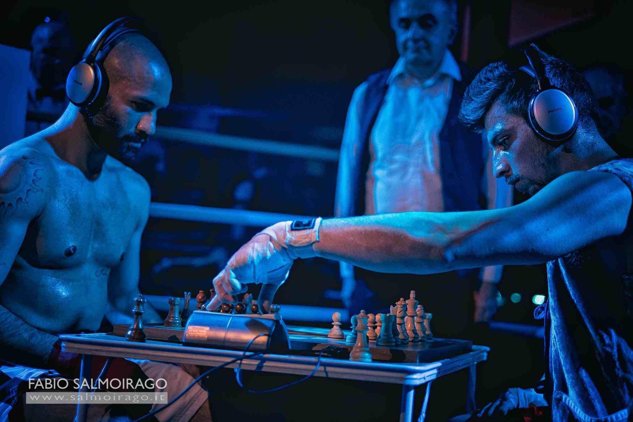 Concorso fotografico: premiata foto di scacchipugilato.