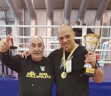 Sergio Leveque batte il campione del mondo a Mosca.
